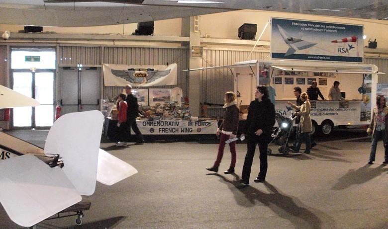 Carrefour de l'Air 2012 au Musée de l'Air + Espace Car410