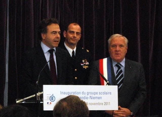 Exposition, Conférence et Inauguration au Pecq (78) en 2011 Nnpecq12