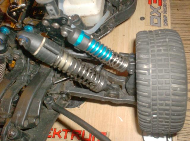 Modifier la suspension du Sc8 Hpim4114