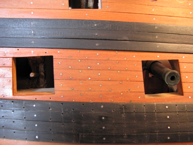 HMS VICTORY - Page 3 Img_0610