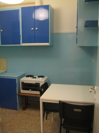 Furnished rooms to rent in a modern apartment close to Athens Uni. of Economics and Business(AUEB) and the Law School. Prof_014