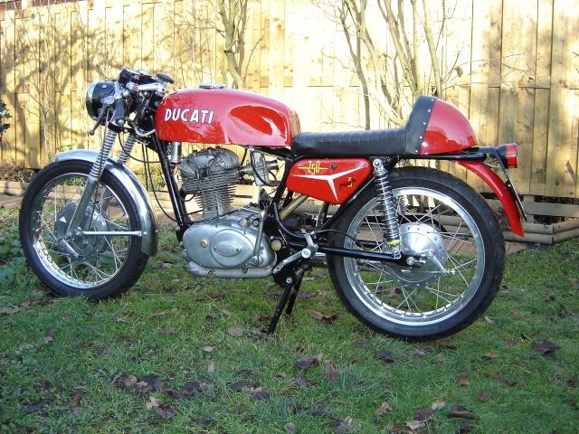 Ici on balance les Monos Ducati - Page 2 250mk310