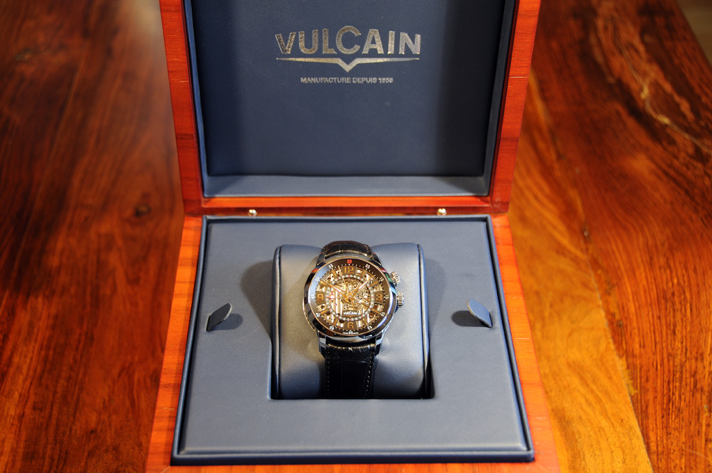 Revue Vulcain Anniversary Heart 2012 03-vul10