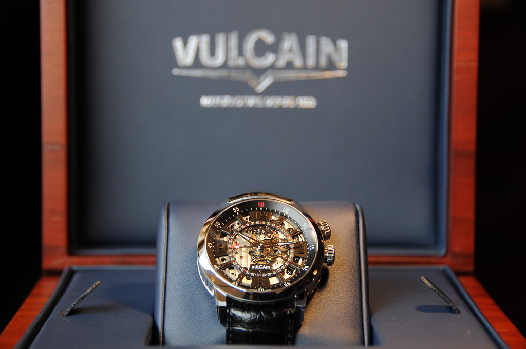 Revue Vulcain Anniversary Heart 2012 04-vul10