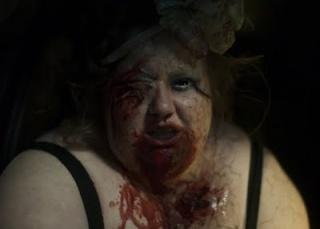 Critiques de films de zombies/contaminés - Page 16 Rec_3_10