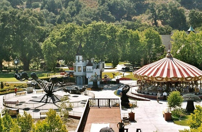 Neverland Valley Ranch - Pagina 3 Bghgyd10