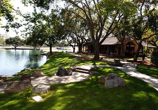 Neverland Valley Ranch - Pagina 2 Bghjgu10