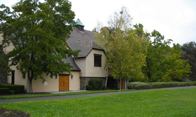 Neverland Valley Ranch - Pagina 2 Huihiu10