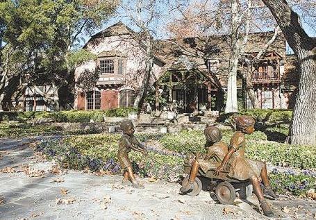 Neverland Valley Ranch - Pagina 4 Jjh10