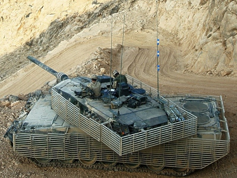 Leopard 2 A6 CAN - Afghanistan - Page 6 Caf_le10