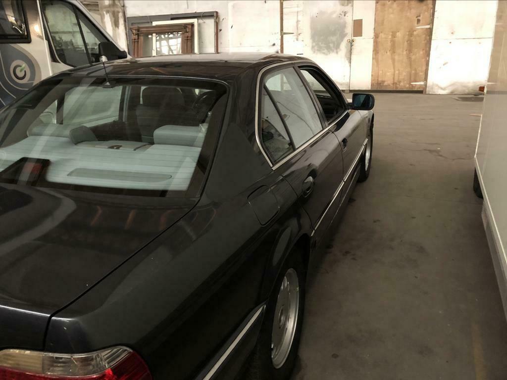 BMW 728i de 1996, Fjordgrau et boîte manuelle. 728new11