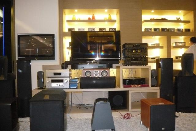 ecoute des JBL ARRAY 1400 a BANGKOK P1070010