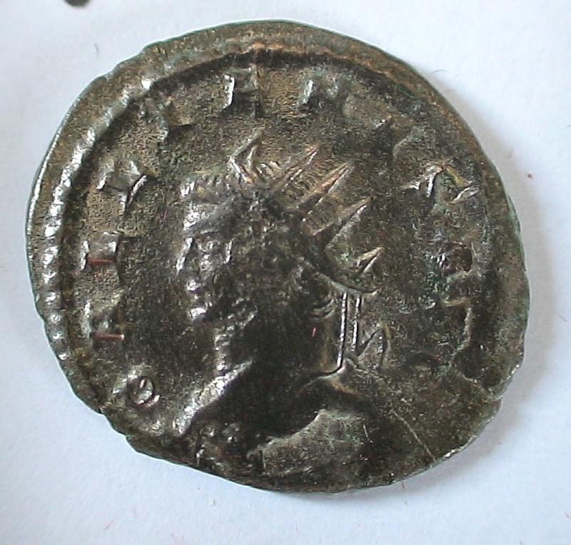 Les monnaies de Gallien à identifier   - Page 4 Dsc06862
