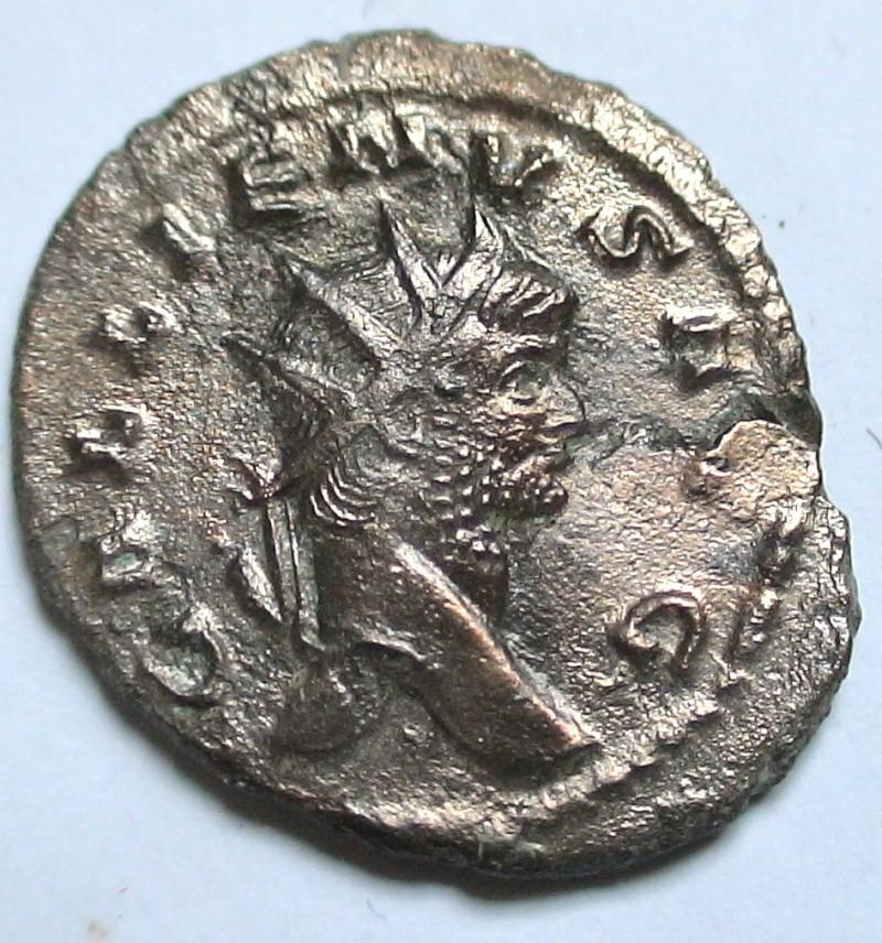 Les monnaies de Gallien à identifier   - Page 4 Dsc06876