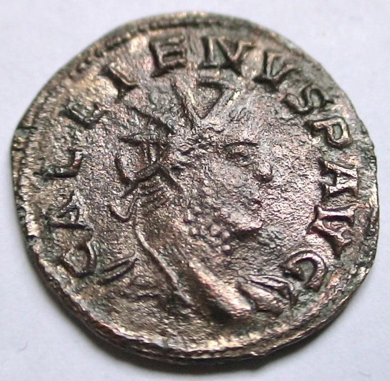 Les monnaies de Gallien à identifier   - Page 4 Dsc06889