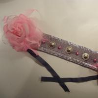 tocado tribal gris con flores rosas Tocado15