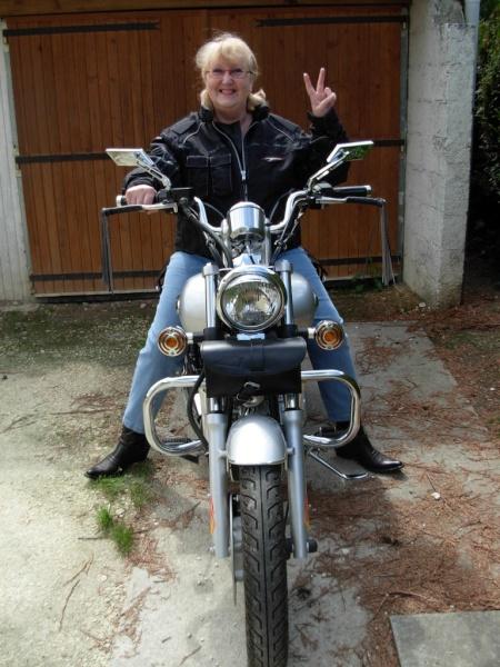 La motarde ( de Dijon)... Dscn1710