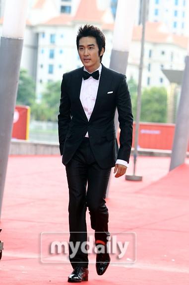 Red carpet - '2011 Mnet Asian Music Awards'--- parte 1 1_bmp19