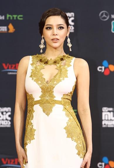 Red carpet - '2011 Mnet Asian Music Awards'--- parte 2 1_bmp28