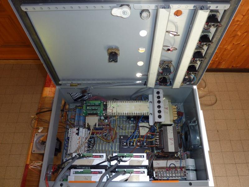 armoire de commande  P1020810