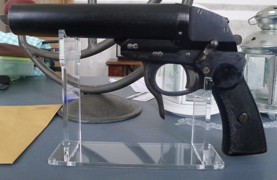leuchtpistole P1010214