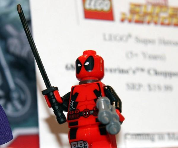 LEGO : MARVEL Deadpo10