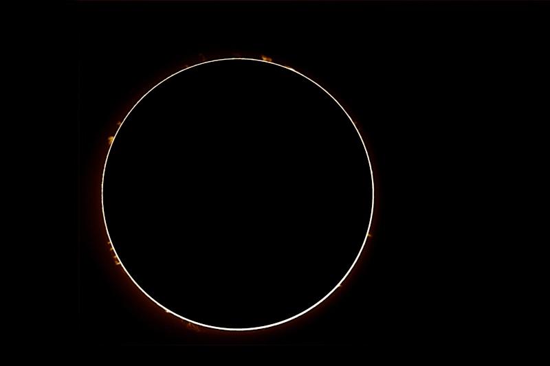 Re: protubérance solaire et surface solaire du 30 mars Protu_10