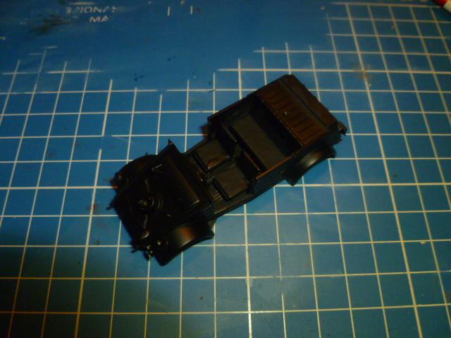 KUBELWAGEN Tamiya 48 ème (commencement!) P1030491