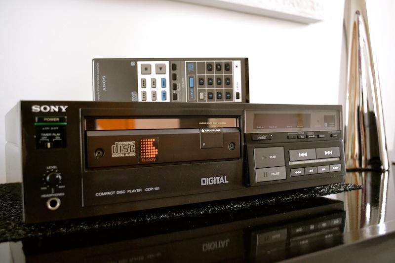 Le premier lecteur Compact Disc by Sony  Dsc_0315