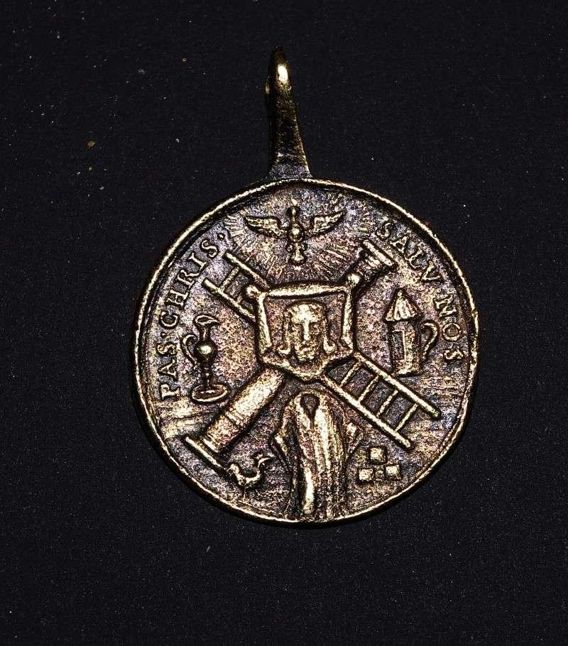Médaille Passion du Christ Imgp6013