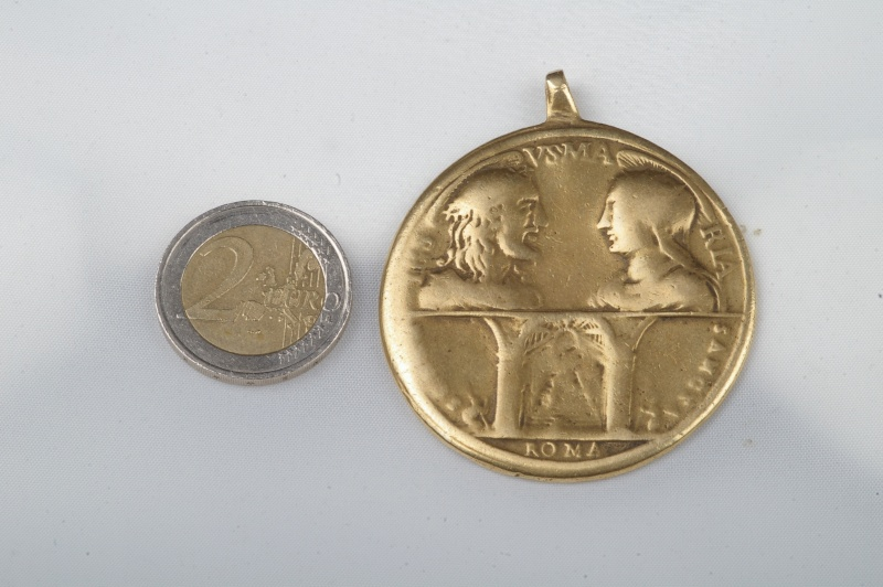 **énorme !!!!** Sublissime Médaille Jubilé 1750 Medail12