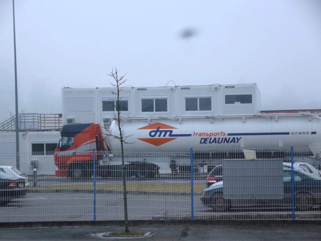 Delaunay (Nonancourt) (28) (repris par les transports Vallée) Camio143