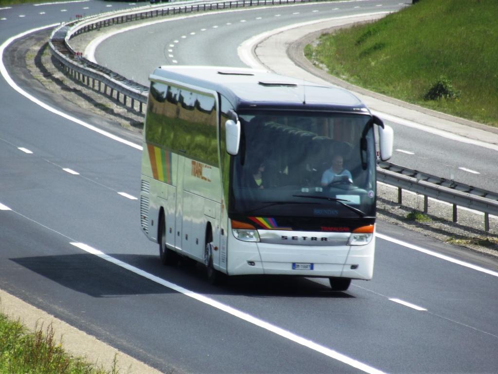 Cars et Bus d'Italie - Page 2 Camio588
