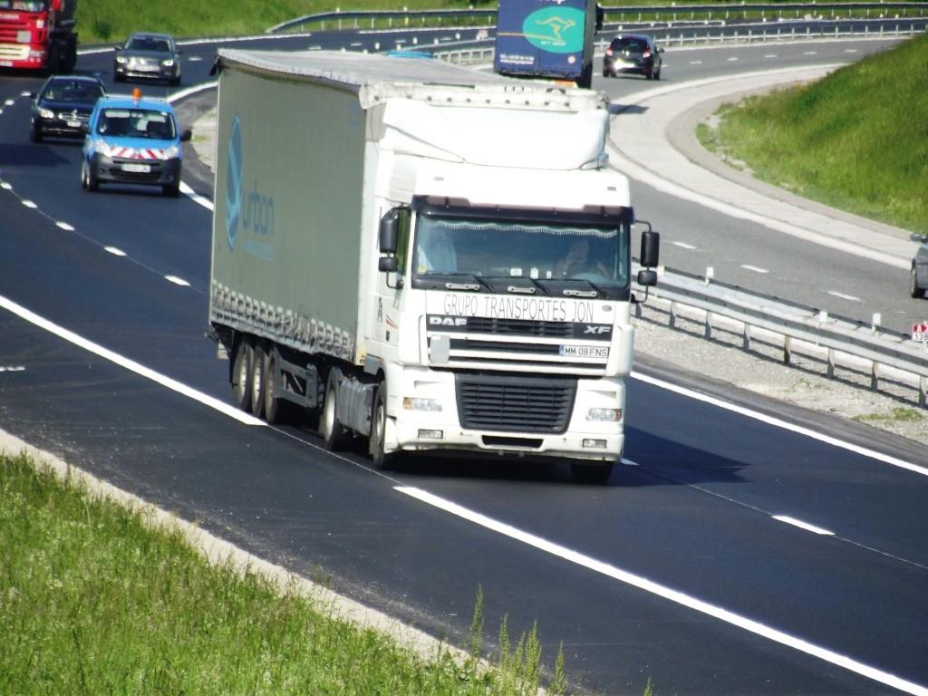 Grupo Transportes Jon  (Oiartzun - Gipuzkoa + Maramures, Roumanie) Camio688