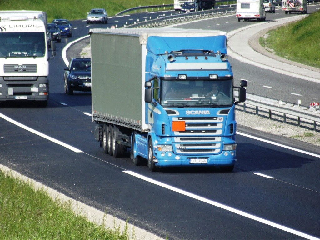 Scania série R G et P - Page 5 Camio739