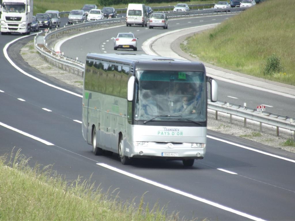 Cars et Bus de Bourgogne - Page 2 Camio906