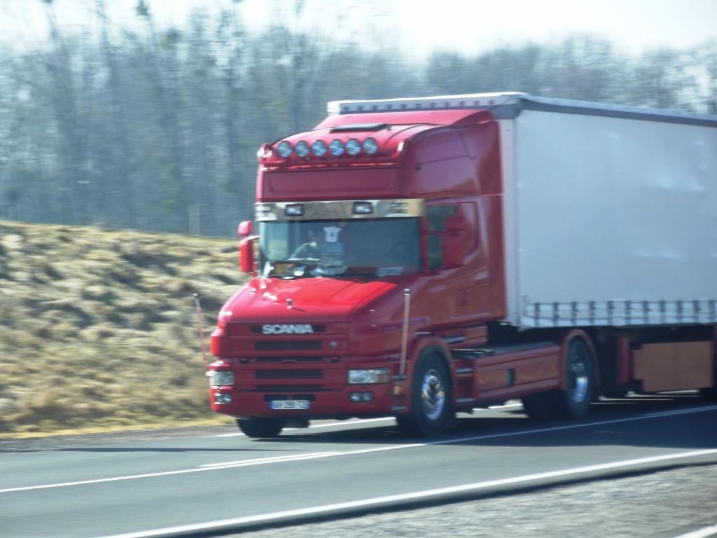 Scania série T (cabine a capot) - Page 5 Camion95