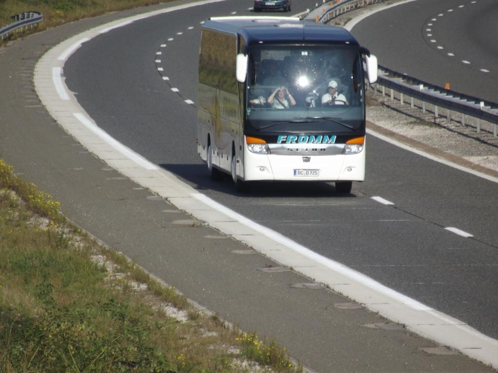 Cars et Bus d'Allemagne - Page 2 Dscf1846