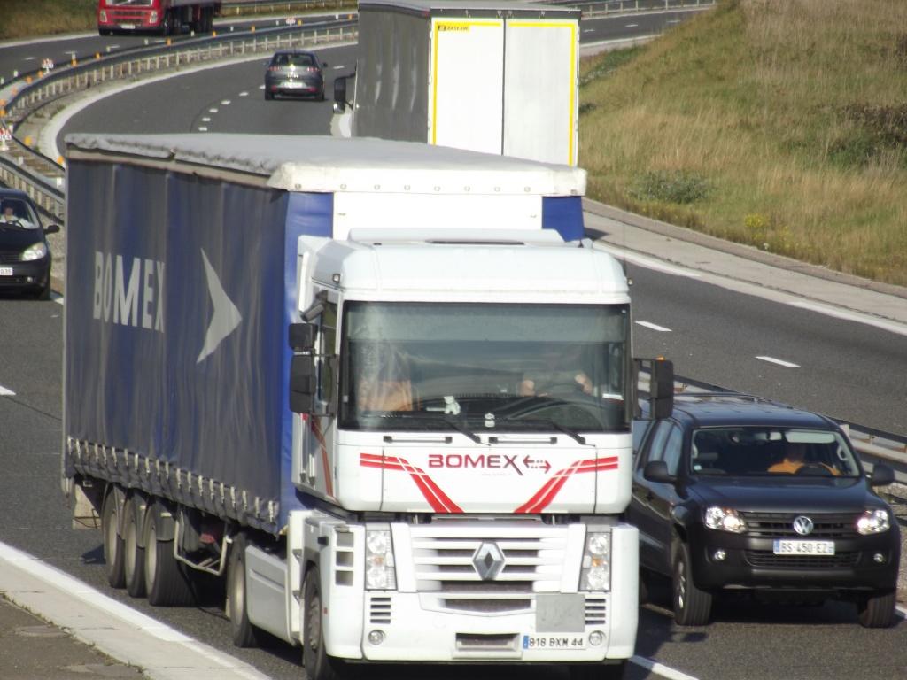 Bomex (Saint Gérèon) (44) (groupe TMG Transports Marcel Garnier) - Page 2 Dscf2057