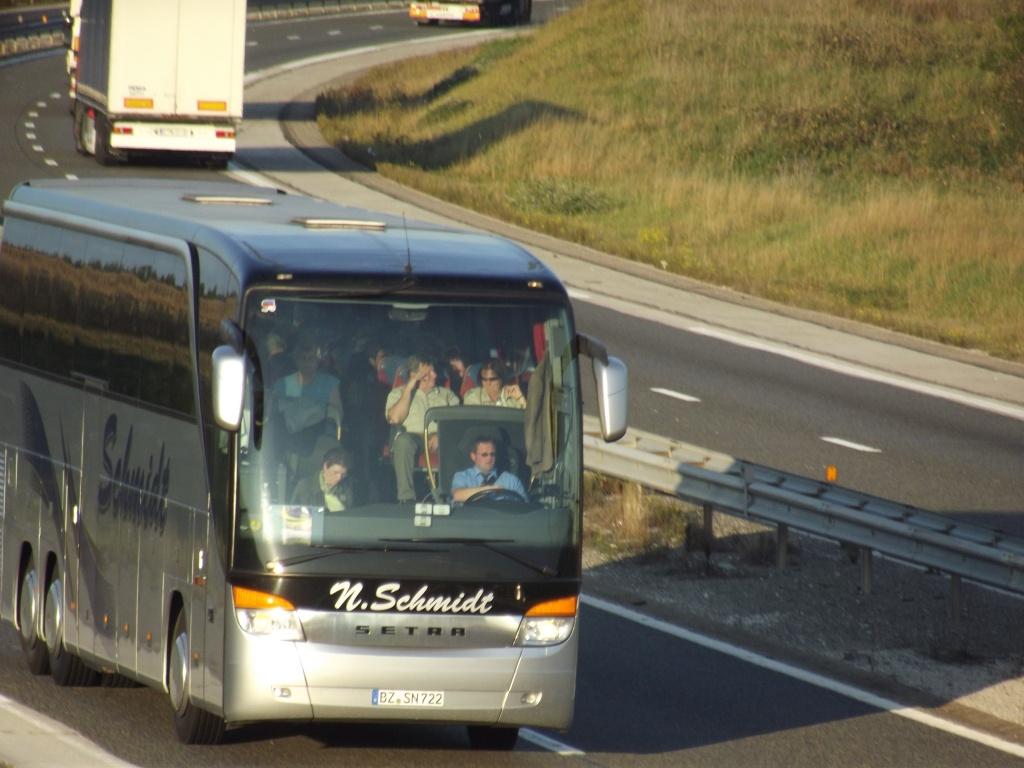 Cars et Bus d'Allemagne - Page 3 Dscf2323