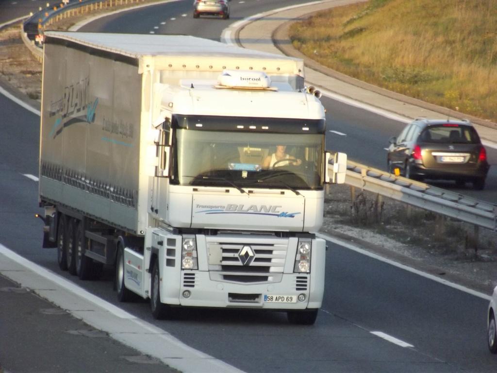Transport Blanc (Civrieux d'Azergues) (69) Dscf2368