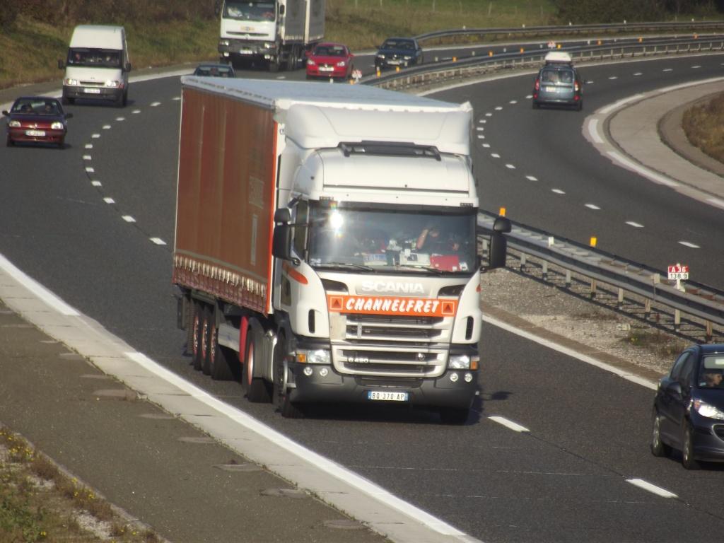 Channelfret.(Orange, 84) Dscf2537