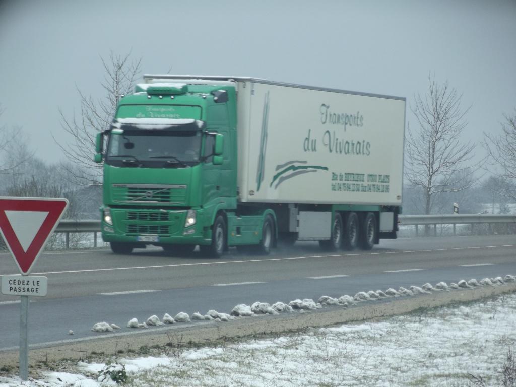 Transports du Vivarais (Pont de l'Isere, 26) Dscf5222