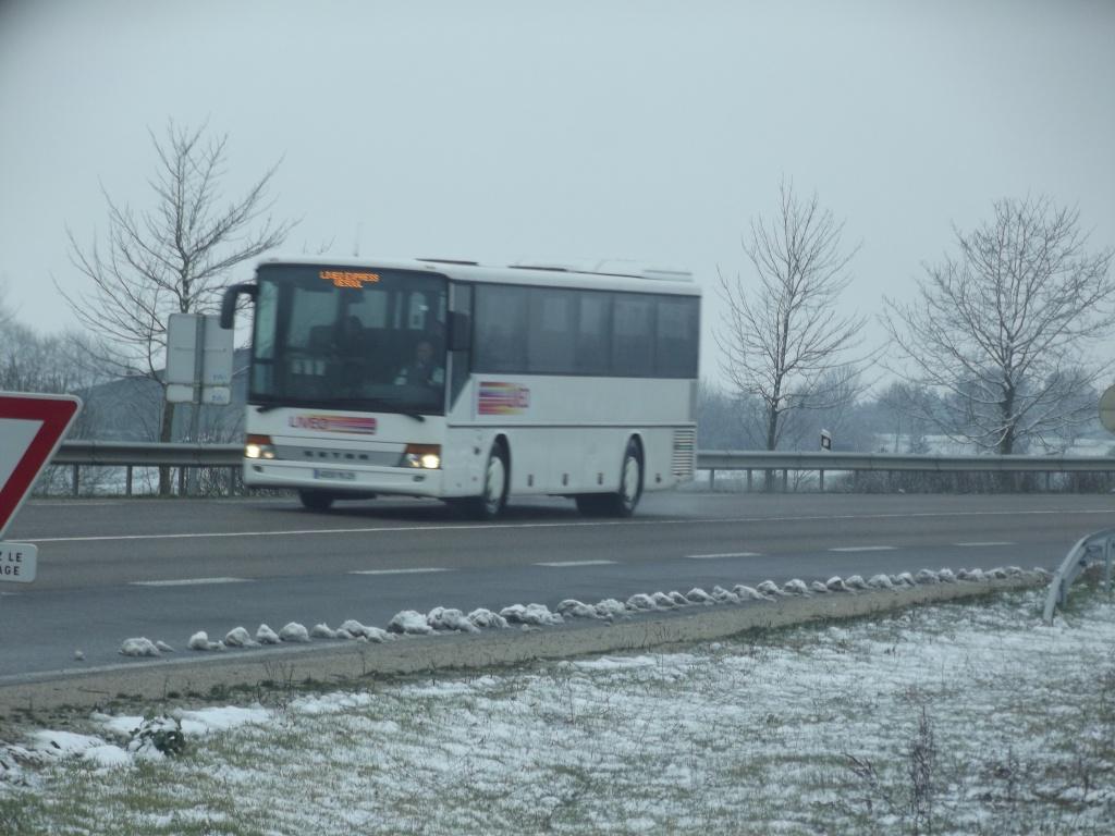 Cars et Bus de Franche Comté - Page 2 Dscf5227