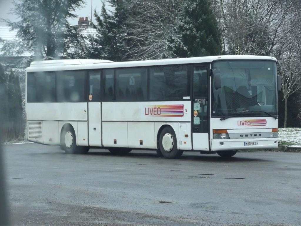 Cars et Bus de Franche Comté - Page 2 Dscf5243