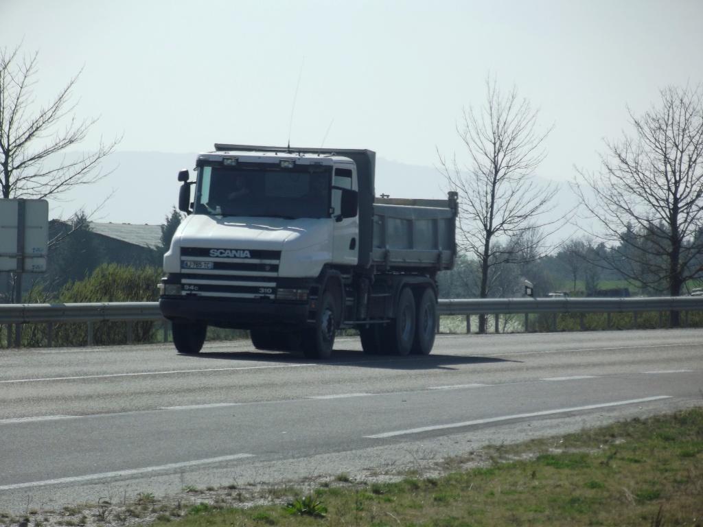Scania série T (cabine a capot) - Page 5 Dscf6840