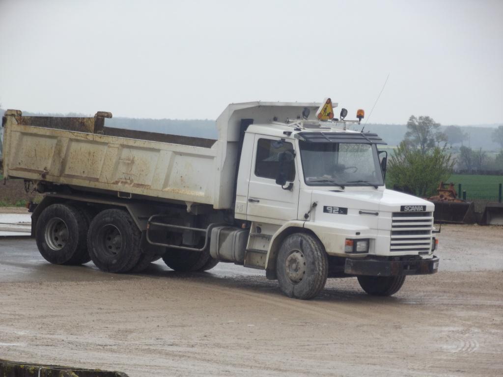 Scania série T (cabine a capot) - Page 5 Dscf7930