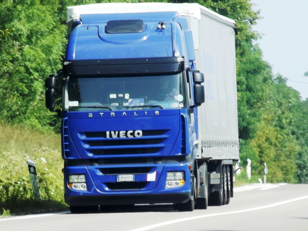 Iveco Stralis  - Page 3 Photo179