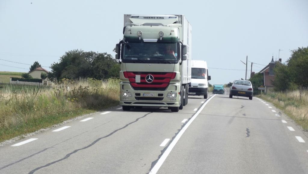 Mercedes Actros MP 1,2 et 3 - Page 3 Photo_73