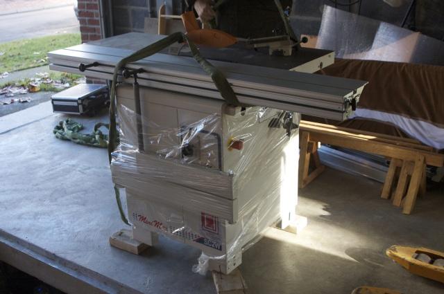 Arrivée à l'atelier de ma Scie à format Minimax Sc 2 Au-gar10